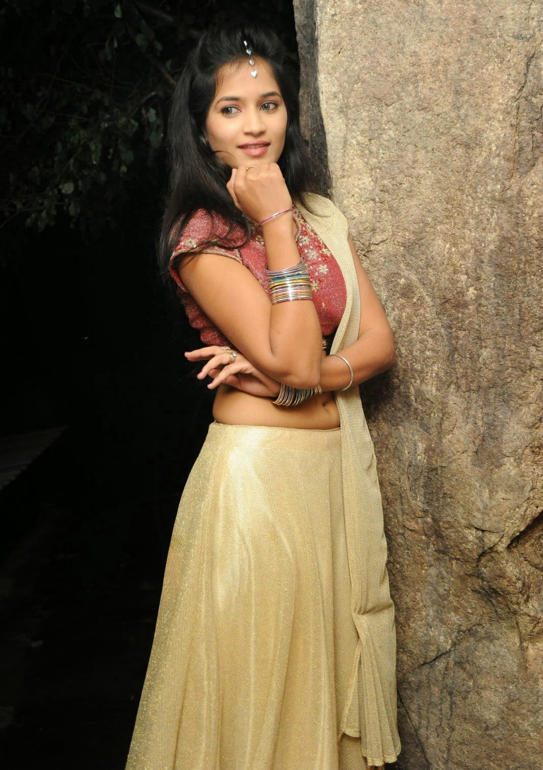 hot bangles, hot hands, sexy hands,anwika hot navel, anwika sexy,sexy anwika navel, telugu girls, sexy south girls