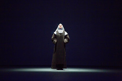 Sally Matthews as Blanche in Les Dialogues des Carmélites © ROH/Stephen Cummiskey, 2014