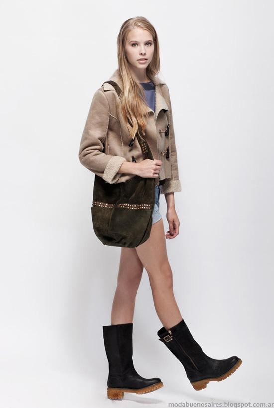 Moda invierno 2013 zapatos, carteras, Prune.