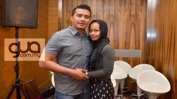 Aaron Aziz Syukur Isteri Kini Berhijab