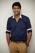 Allari Naresh stylish photos-thumbnail-7