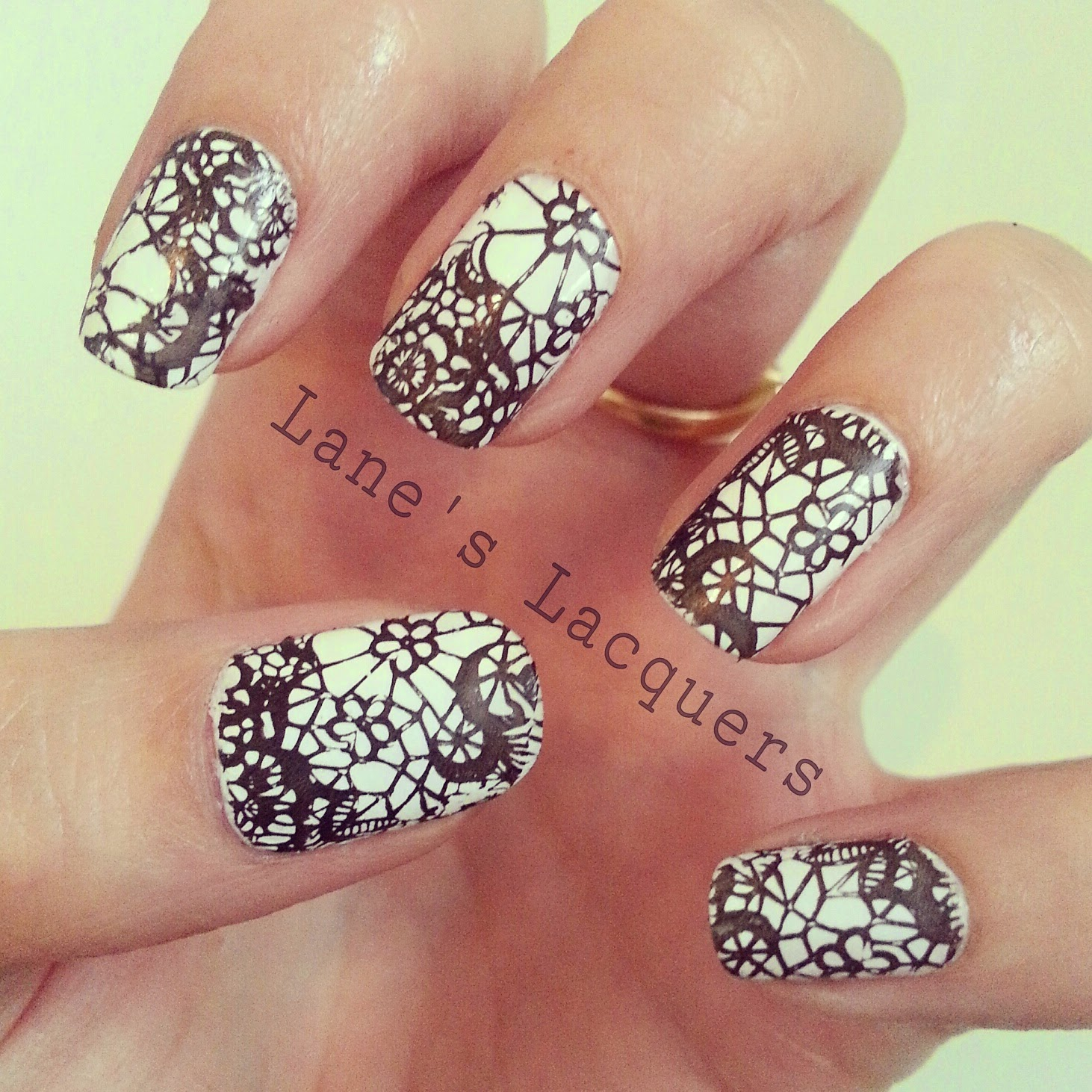 black-and-white-lace-pattern-nail-art