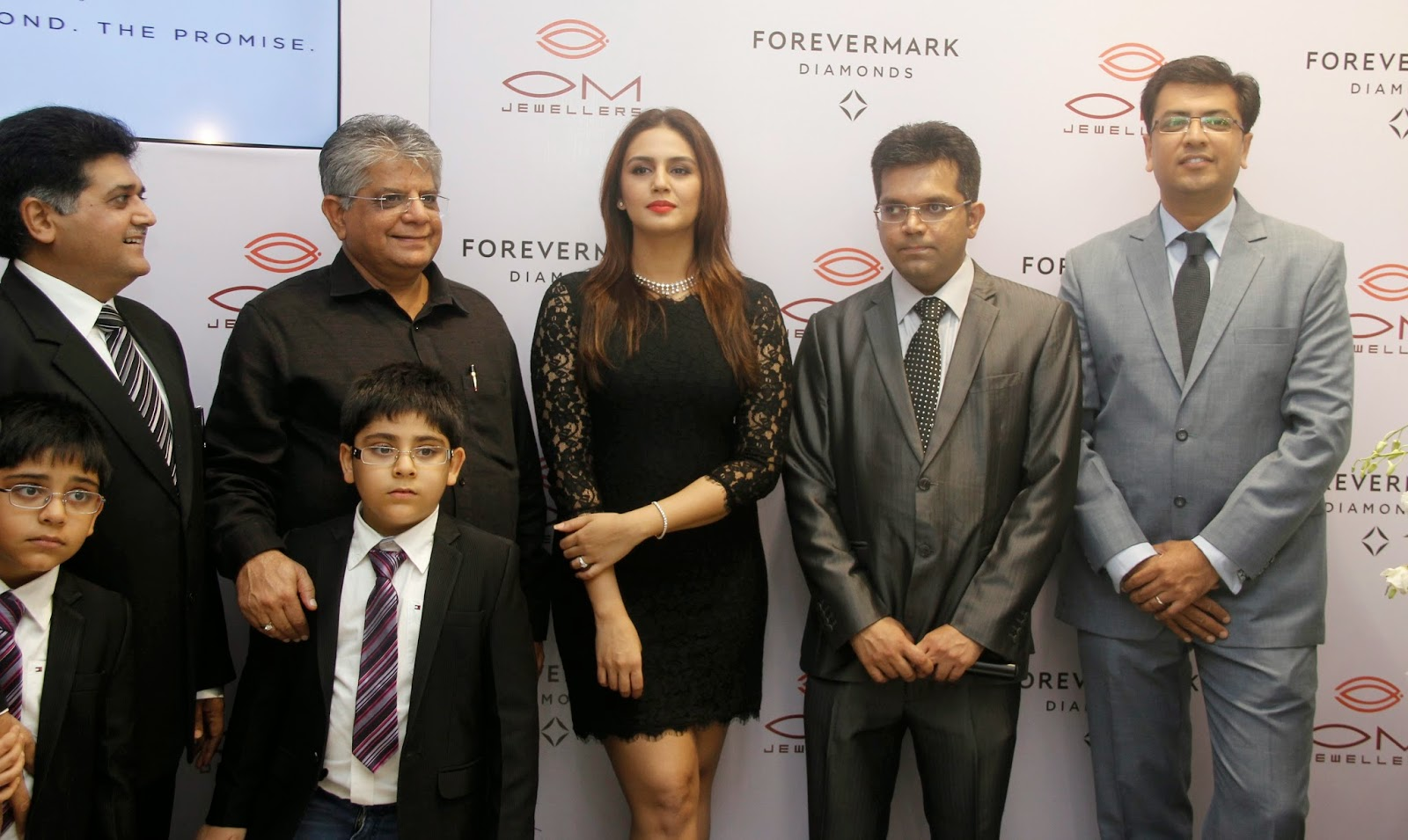 Huma Qureshi at Forevermark Diamonds Festive Collection Pics