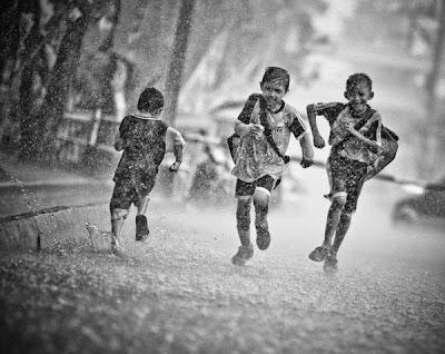 Mari belajar menjadi Hujan
