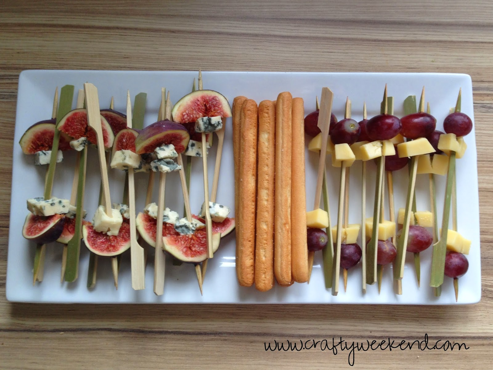 Easy dinner party canapes crafty weekend craft projects for Simple canape ideas