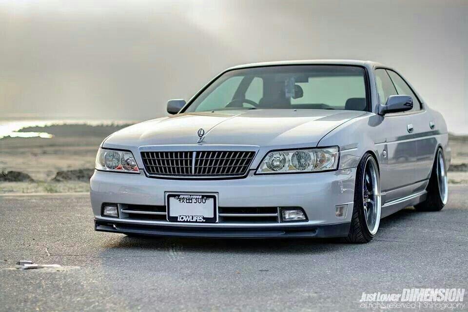 Nissan Laurel C35, fajne sedany, samochody do driftu, japońska motoryzacja, zdjęcia, JDM, tuning