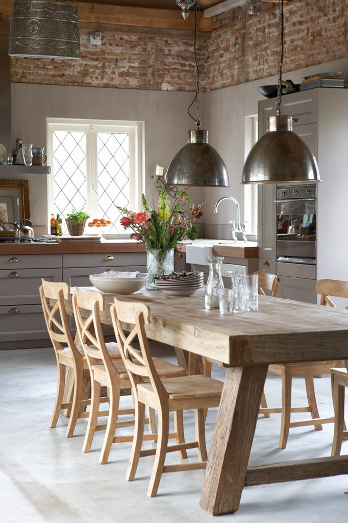 Pendant Lights over the Dining Table