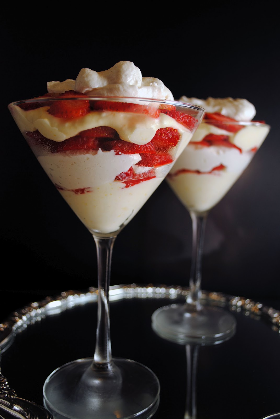 Lemon And White Chocolate Mousse Parfaits With Strawberries (with ...
