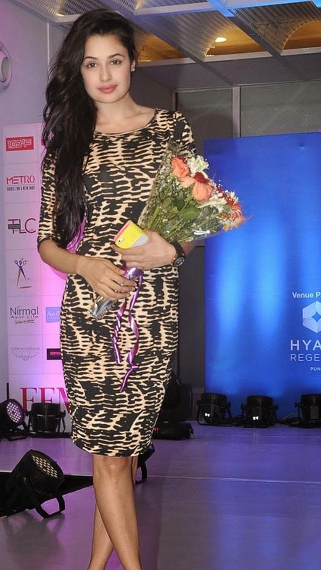 Yuvika Chaudhary Hot Pics