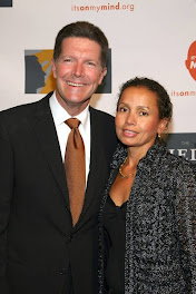 Newscaster Stone phillips and wife Debra