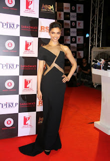 Deepika Padukone Pictures in Black Long Dress at Piku Success Meet ~ Celebs Next