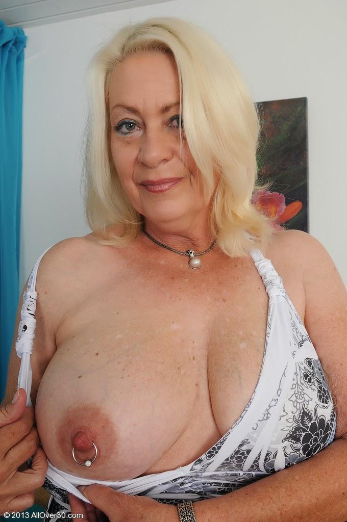 Сиськи женщин старых фото 58161 фотография