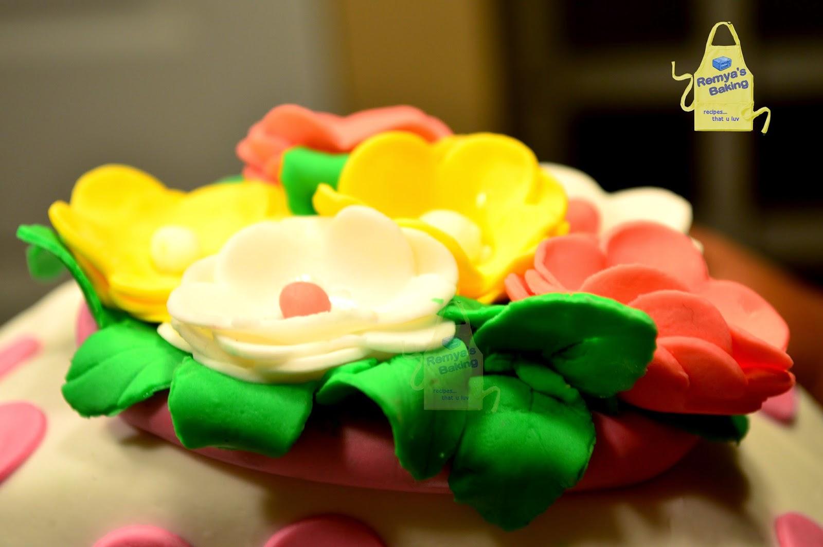 Marshmallow fondant roses