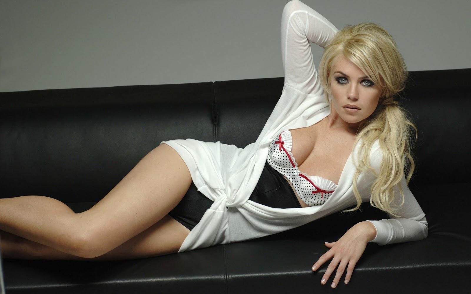 Фото голых девушек из воткинска 22 фотография