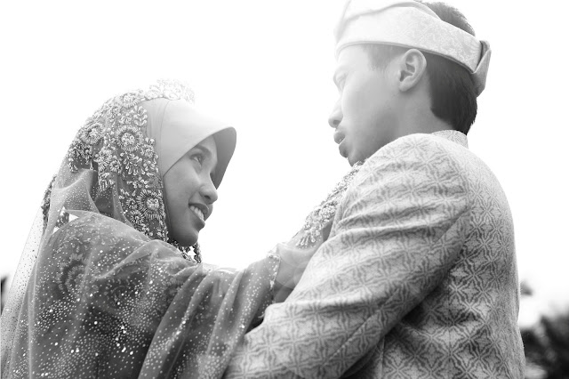 outdoor photoshoot taufik & farhana 6