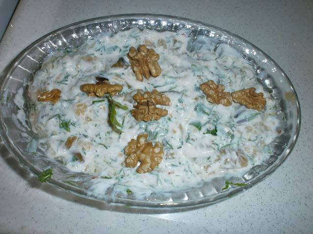 semiz otu salatası yapımı