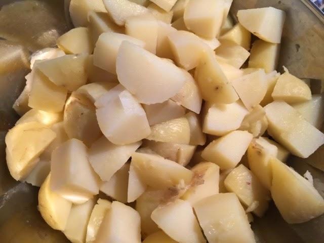 Välimerellinen perunasalaatti