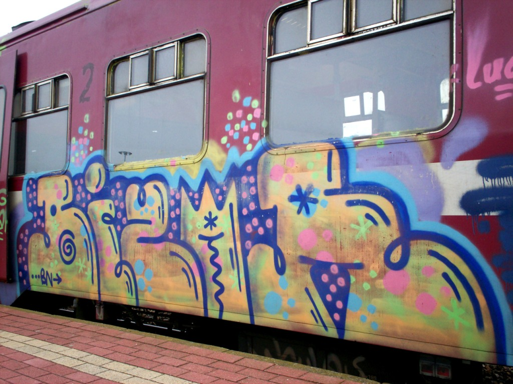 GRAFFITI BOMBING - Graffiti Art Blog -
