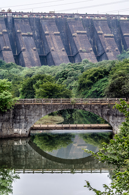 Bhandardara dam, river bridge