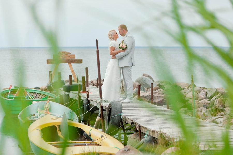 pruutpaar-mererannas
