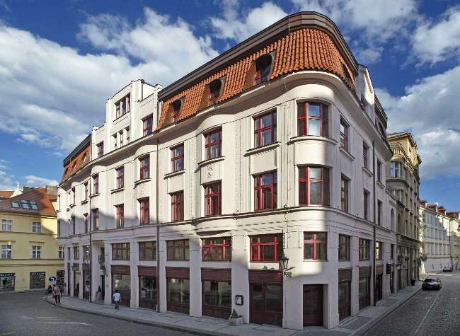 Five star hotels buddha bar hotel prague czech republic for Luxury hotels prague