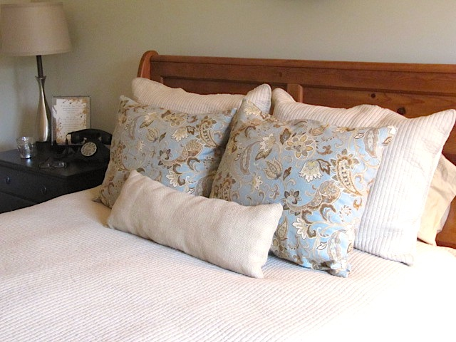 sew many ways where to store extra bed pillows in plain sight