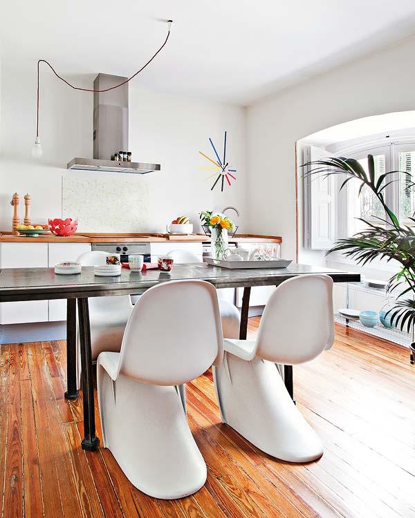 Decoracion actual de moda un piso de 60m2 con mucho estilo for Mesa cocina frutero