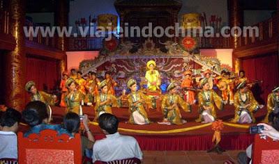 http://viajeindochina.com/destinos/vietnam/hue.html