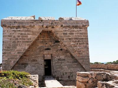 Castell de la Punta de N'Amer, Cala Bona, Mallorca