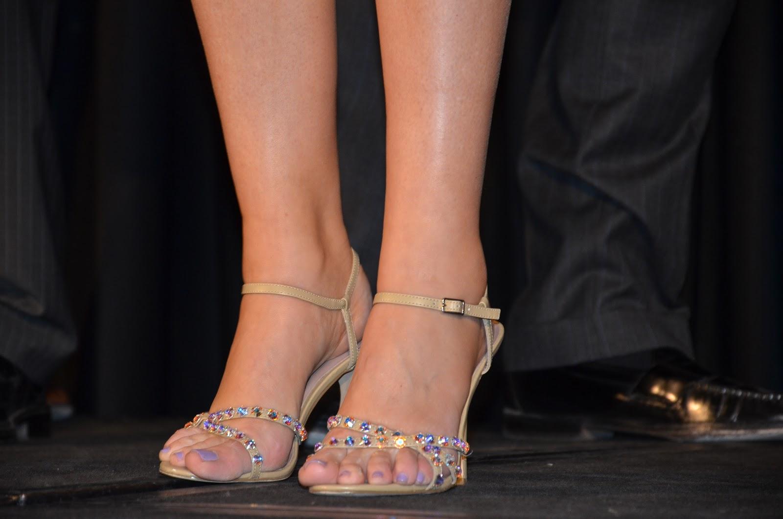 http://3.bp.blogspot.com/-DKwY6OXOIMU/TWfcr9WhQ2I/AAAAAAAANSQ/HSUasUVuvRc/s1600/Bream%2527s+Shoes.jpg