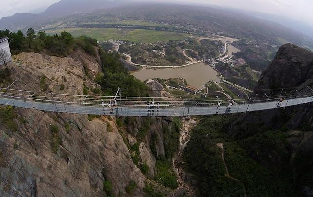 Jambatan kaca