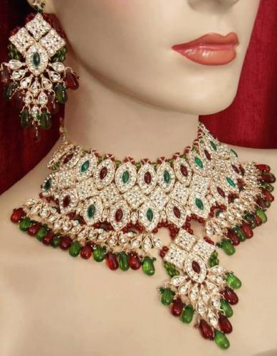 Beautiful Wallpapers: gold jewellery in Dubai