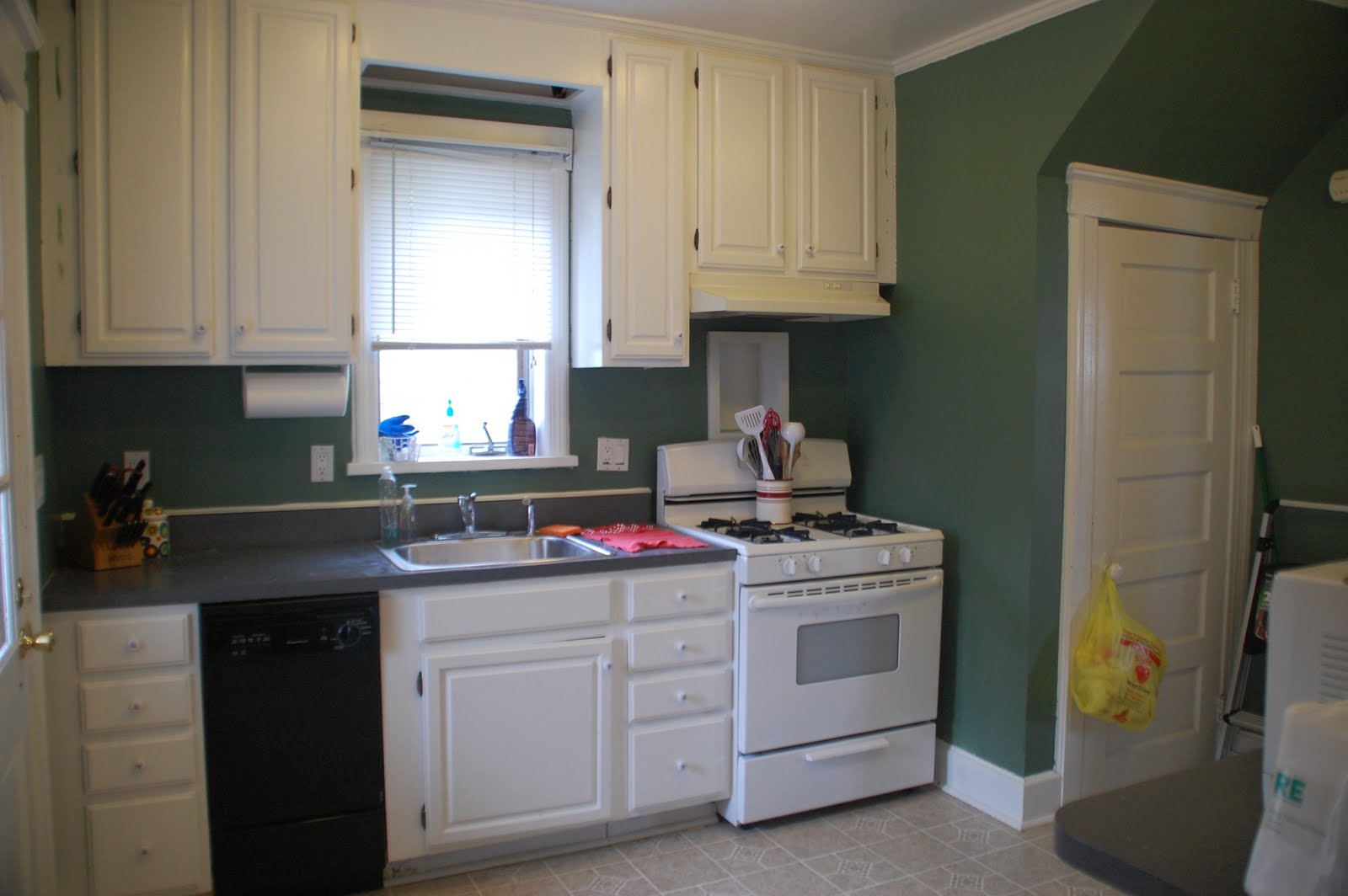 Hunter Green Painted Kitchen Walls