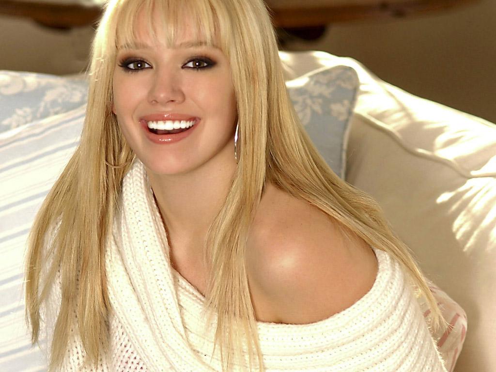 Hilary Duff Celebrity Home 2006 en Español - YouTube