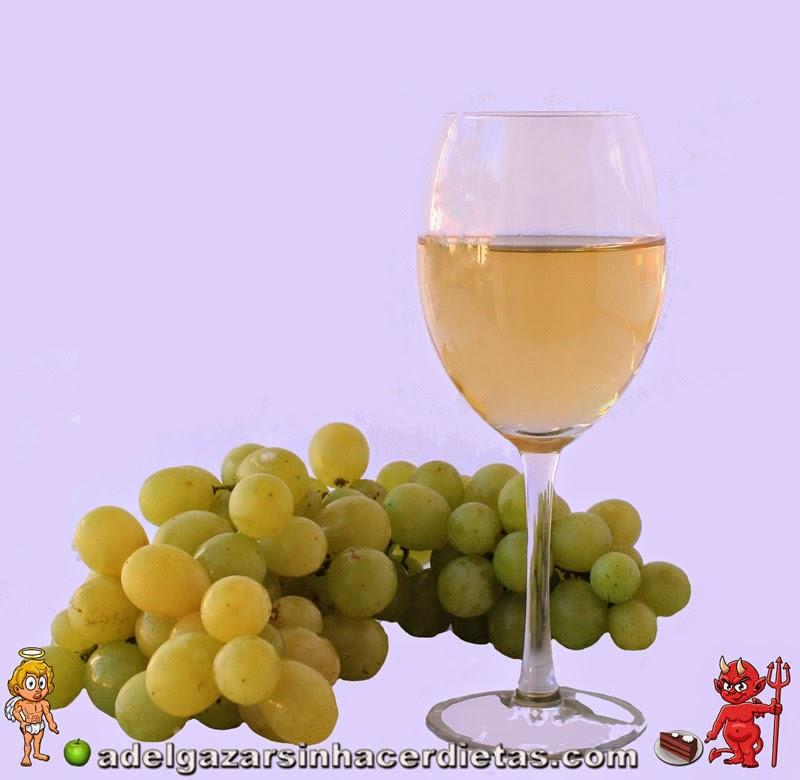 Cómo hacer vino blanco casero (moscatel italiano) de manera fácil y saludable, sin aditivos, con solo con un ingrediente: la uva, tal como se hacía antiguamente.