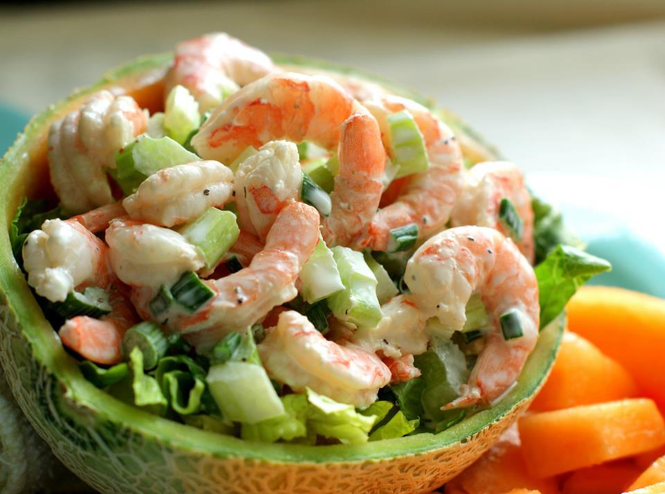Новогодние салаты из морепродуктов с фотографией