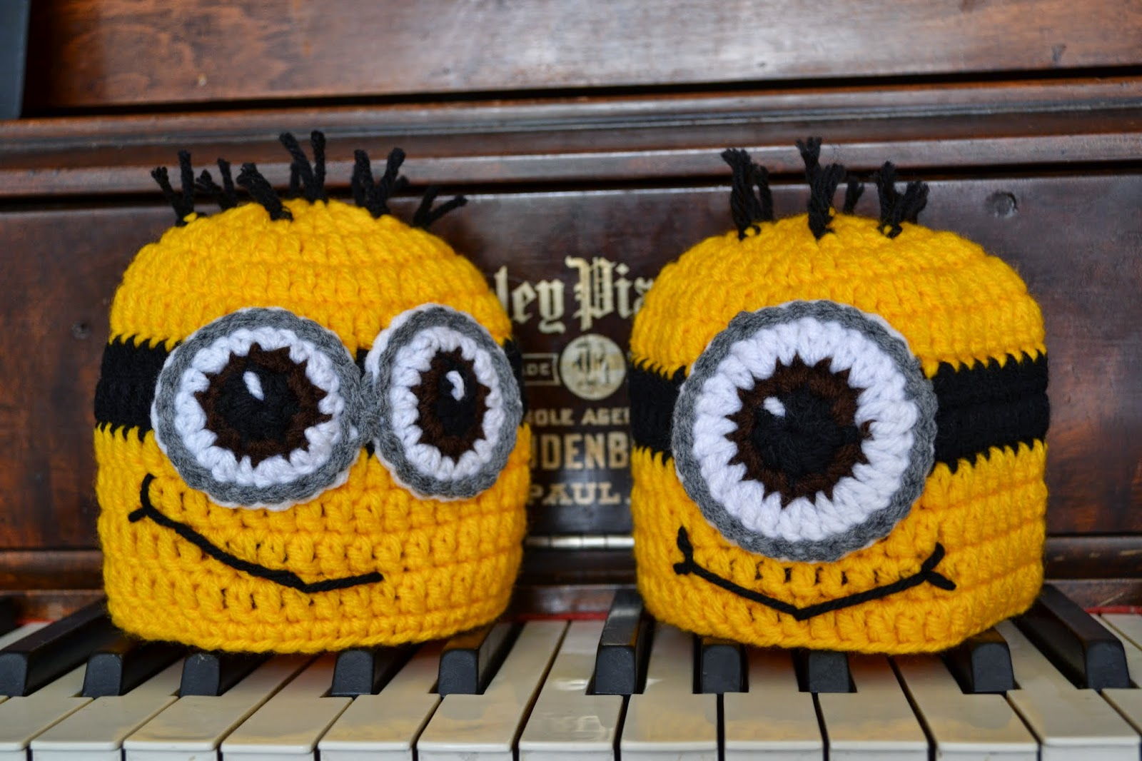 Free Crochet Hat Patterns For Minions : Knotty Knotty Crochet: Minions oh minions! FREE PATTERN!