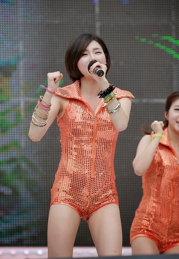 Ca sỹ Hàn nóng bỏng trên sàn diễn