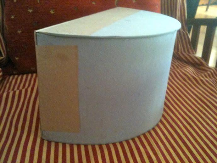 Proceso de creación de una caja semicircular.