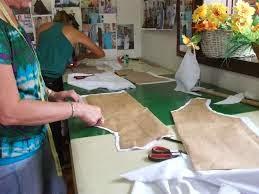 Escola De Costura Laurariz  métodos rapidos e perfeito