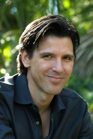 Author, Oscar Cásares
