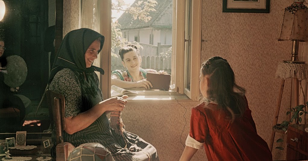 Beautiful Color Photographs of Russia in the 1950s