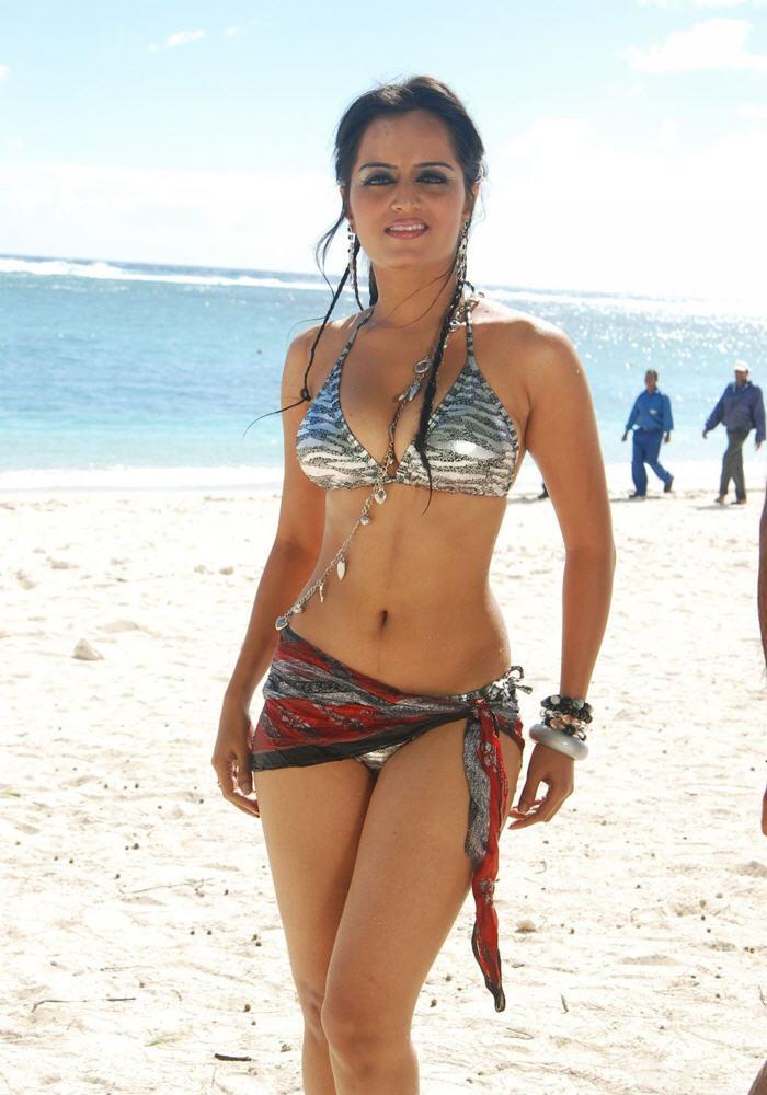 Sembrono Desi Latest Sexy Bikini Indian Girls Fashion Shoots Photos