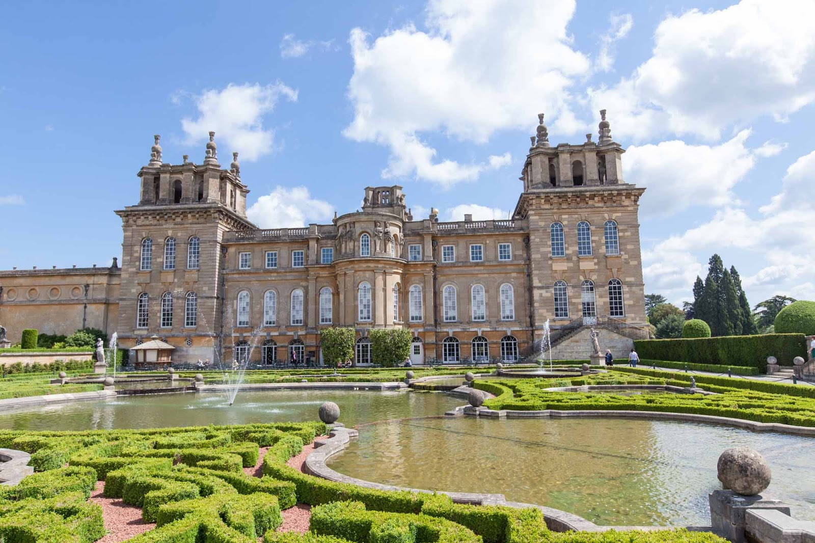 Blenheim palace the heart thrills for Best new england wedding venues