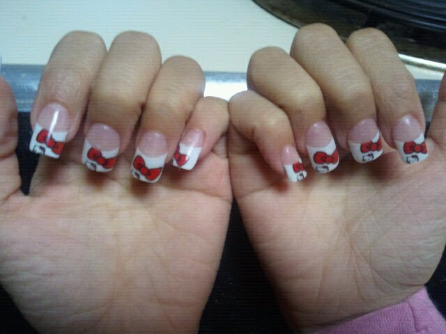Posted by Arslan Zahid at 7 42 PMHello Kitty Nails With Bow