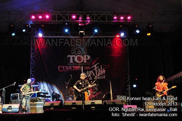 Iwan Fals & Band TOP konser - Denpasar Bali, Oktober 2013