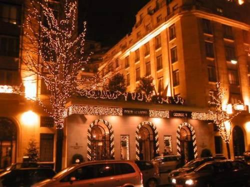 Four seasons hotel george v paris an eight story landmark built in