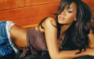 Rihanna Hair & Hairstyles