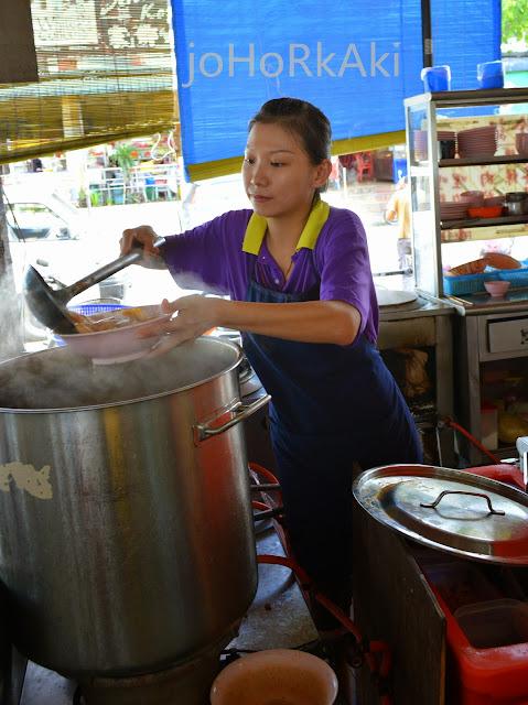 Curry-Laksa- 珍記-Johor-Bahru-Taman-Ungku-Tun-Aminah