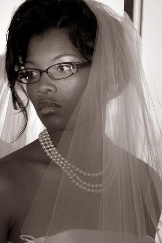 http://3.bp.blogspot.com/-DOH6XGL5iGw/TgOGNKnxYWI/AAAAAAAAApc/darKyWP_Fbk/s1600/brideswithglassesflicker.jpg